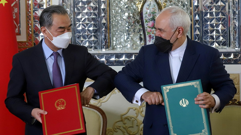 Iran & China ink 25-year strategic partnership accord as both nations face US pressure